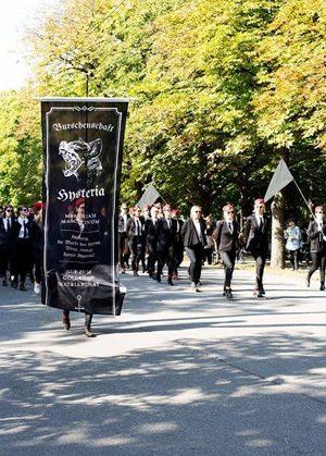 """Högerextrema """"pojkarnas"""" bal i Wien lär bli hysterisk –  i SvD om Akademikerball och dem som protesterar."""