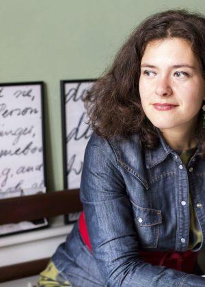 Nora Gomringer: Men säg nåt om natten då