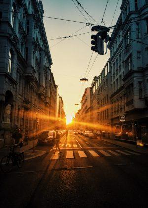 Tillbaka till Wiens Bermudatriangel – läs ett utdrag ur Au pair i SvD